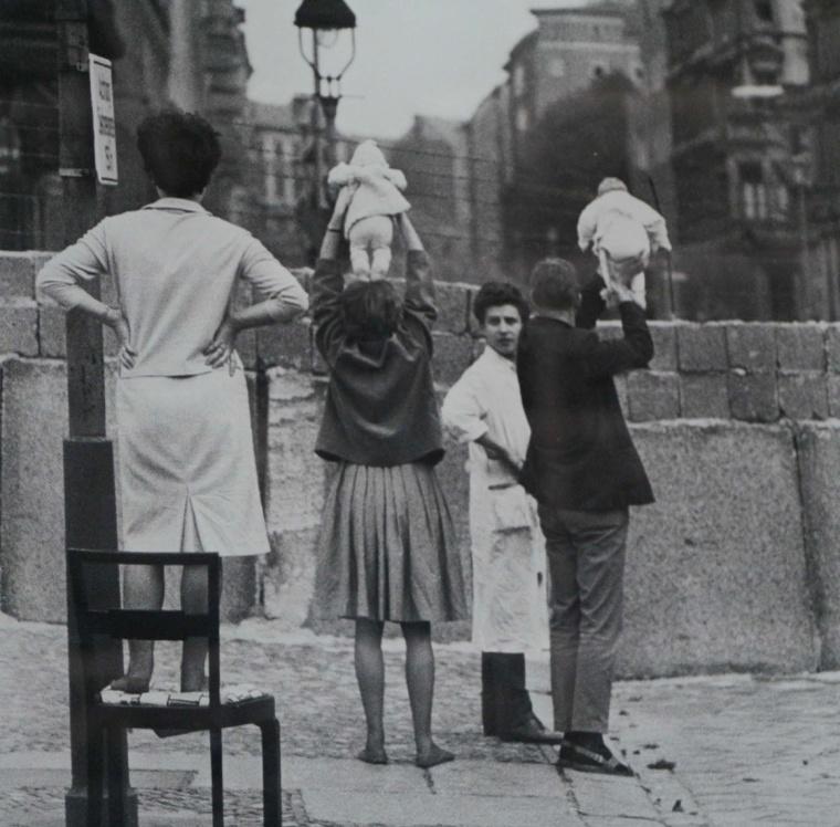 West_berlin_children_1961